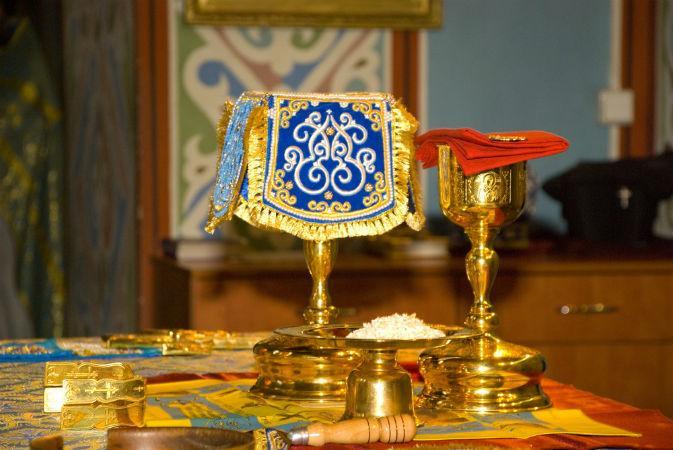 Памятка христианину, желающему подойти к Святой Чаше для причащения животворящего Тела и Крови Христа Владыки.