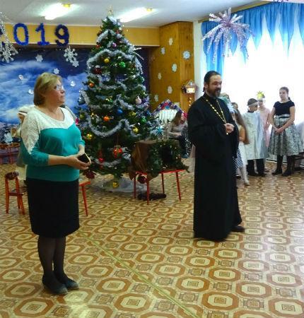 Выступление детской воскресной школы в детском садике №16 «Ладушки»