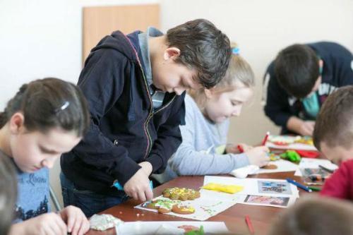 Детская воскресная школа: роспись пряников